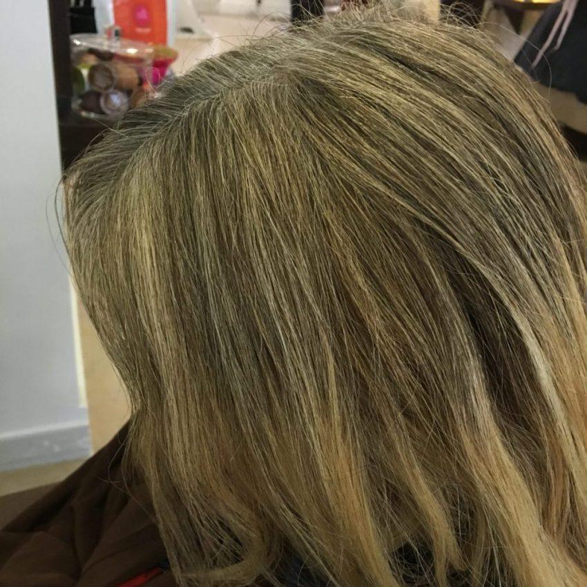 Mes longs cheveux vont redevenir enfin blonds dorés