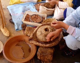 une huile d'argan pure et bio faite à partir de l'arbre d'arganier