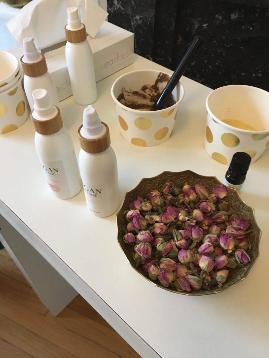 L'eau de rose et l'huile d'argan mises en scène dans une beauty party