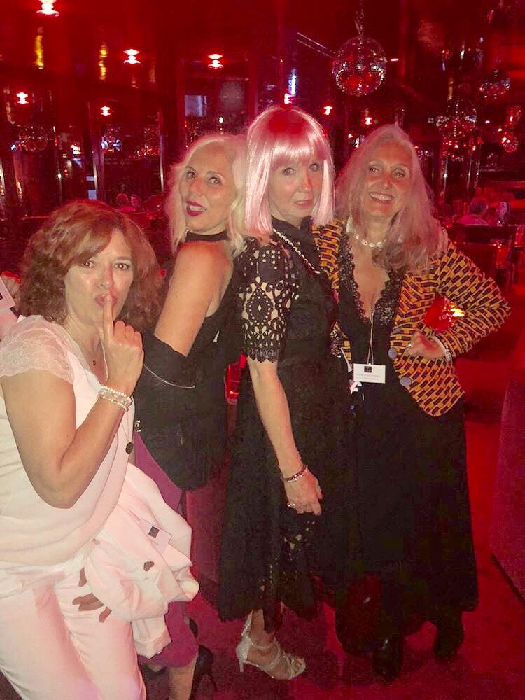 Quand Revitalash vous emmène au Crazy horse avec les copines blogueuses c'est top!